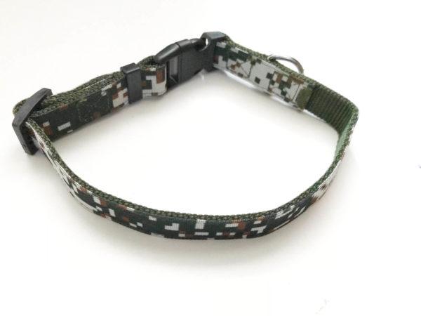 Camouflage dog collar
